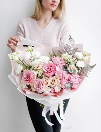 Букет из ароматных роз SILVER&PINK