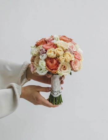 Букет невесты из роз CAPPUCCINO&MILK