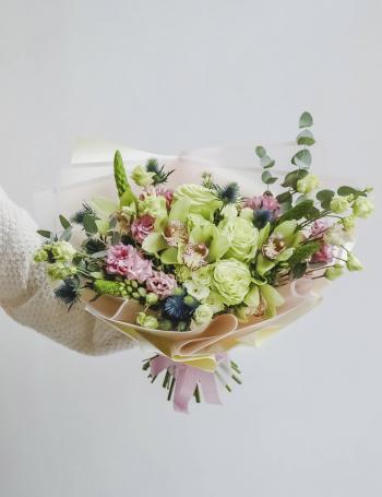 Букет из роз и орхидеи LIME&PINK