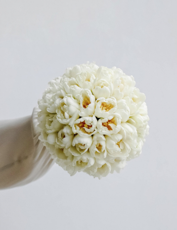Свадебный букет из белых тюльпанов WHITE