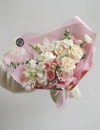 Букет из роз и орхидеи COLD WHITE