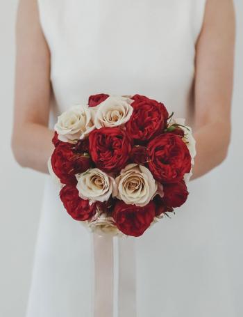 Букет из пионовидных роз RED&COCOA
