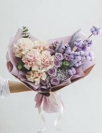Букет из роз и хлопка PINK&LILAC