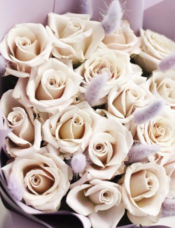 Букет из пудровых роз MENTA