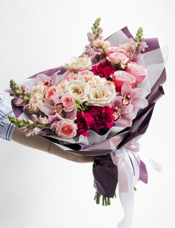 Букет из роз и орхидеи CAPPUCCINO&PLUM