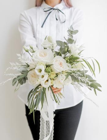 Букет невесты с пионовидными розами DELICATE WHITE