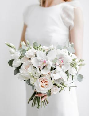 Букет невесты из роз и орхидеи DELICATE WHITE