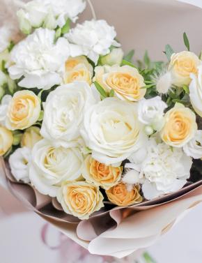 Букет из белых и желтых роз LEMON&WHITE