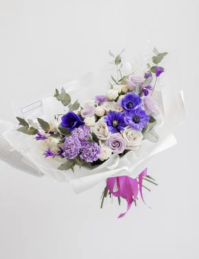 Букет из роз и анемон PURPLE MIST