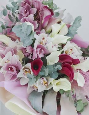 Букет из калл и орхидеи WHITE&PURPLE