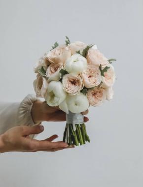 Букет невесты из пионовидных роз и пионов WHITE&CREAM