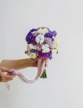 Свадебный букет из роз и эустомы PURPLE MIST