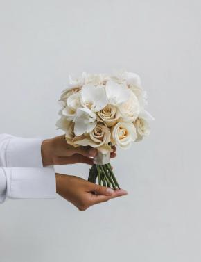 Свадебный букет из орхидеи и роз WHITE&COCOA