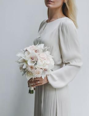 Букет невесты из роз и орхидеи COLD WHITE
