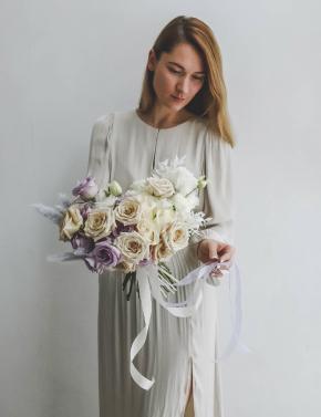 Букет из роз и эустомы WHITE&LILAC