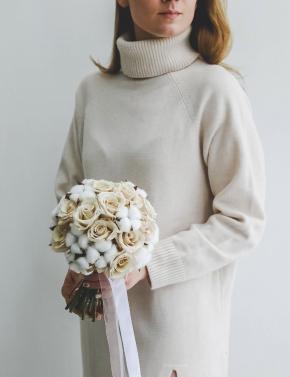 Свадебный букет из хлопка и роз WHITE&COCOA