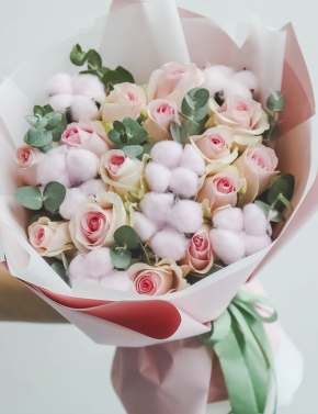 Букет из роз и хлопка DELICATE PINK