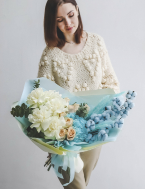 Букет из роз и хлопка WHITE&BLUE
