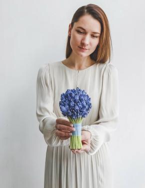 Свадебный букет из первоцветов мускари BLUE