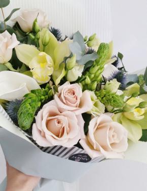 Букет из роз и орхидеи LIME&CAPPUCCINO