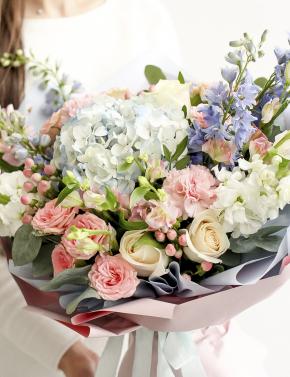 Букет из кустовых роз и гортензии BRIGHT SUN