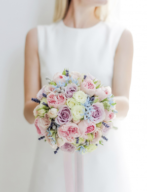 Свадебный букет из пионовидных роз SPRING