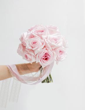 Свадебный букет из пионовидных роз PINK