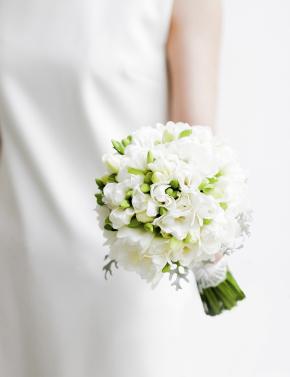 Свадебный букет из белых фрезий WHITE